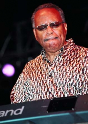 lonnie liston smith 03.jpg